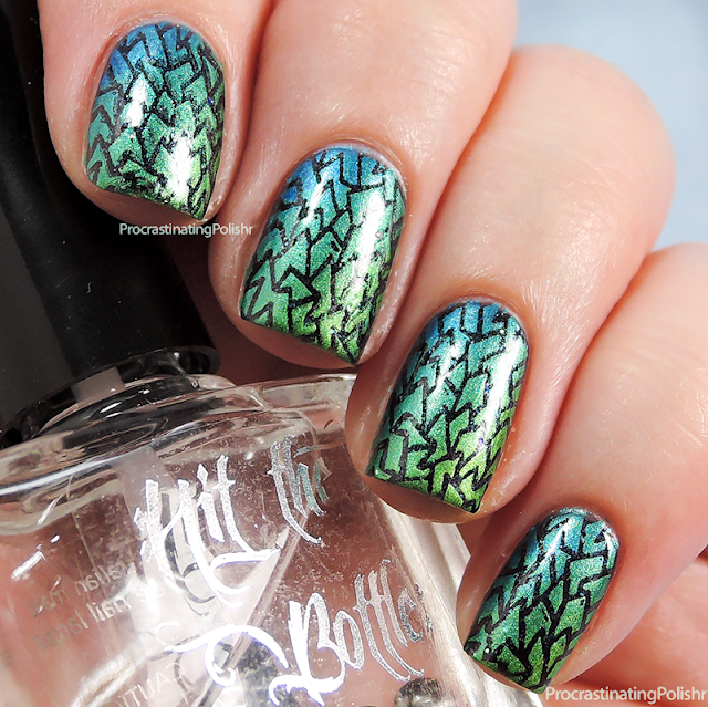 Best Nail Art of 2015 - Stamped Scale Gradient