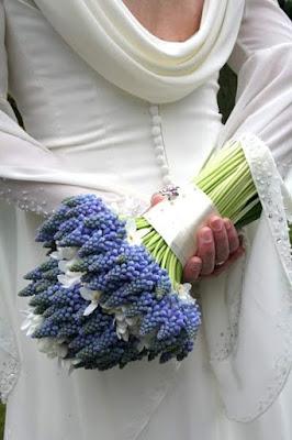 Bukiet ślubny z szafirków
