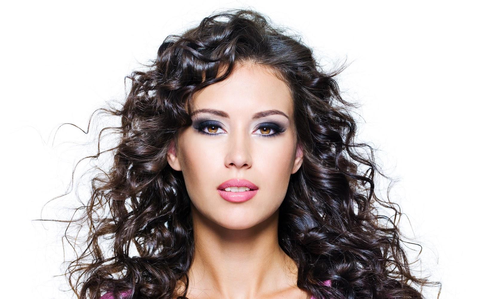 Potongan rambut yang cocok dengan bentuk wajah gaya rambut akan