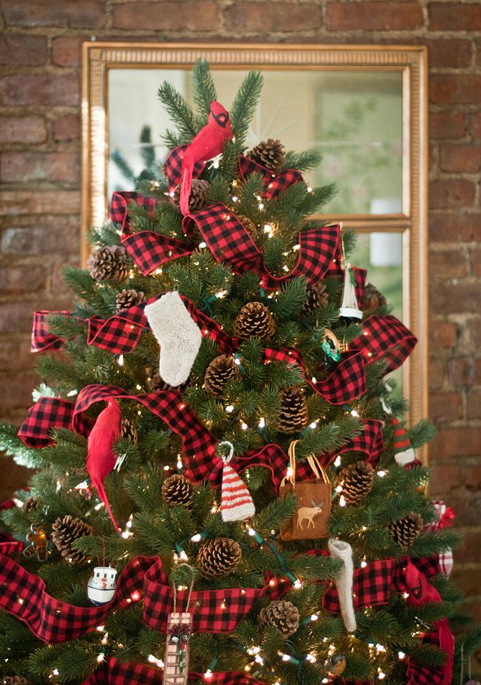 Ee Cummings Christmas Tree Part - 39: The Adventures Of Tartanscot