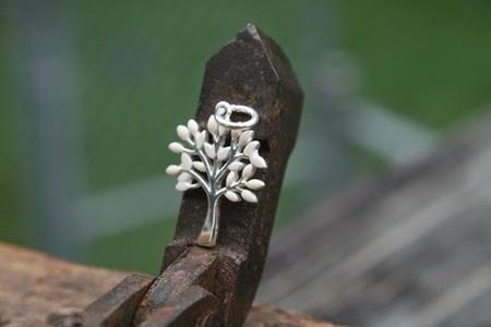 ASI, liontin, perhiasan, perhiasan ASI, perhiasan terunik, perhiasan unik