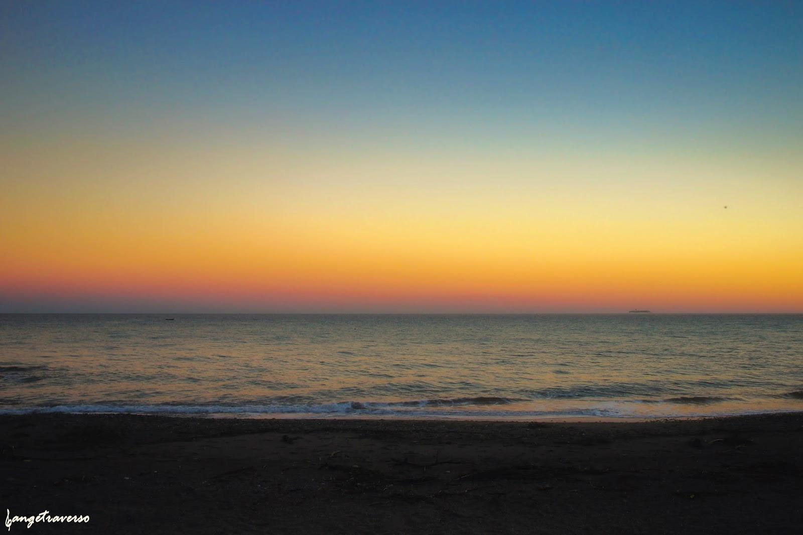 Sunset depuis Albenga, dans la province d'Imperia en Italie