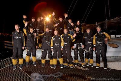 Yann Guichard et son équipage chaleureusement acclamés à leur arrivée à La Trinité !