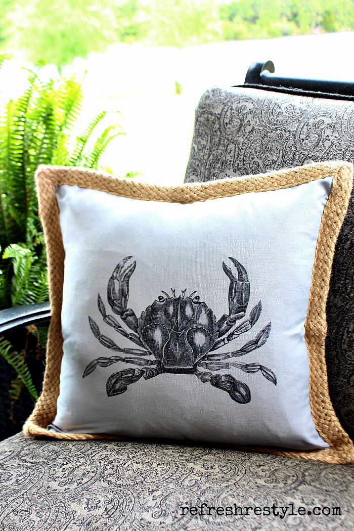 DIY crab pillow from RefreshRestyle.com