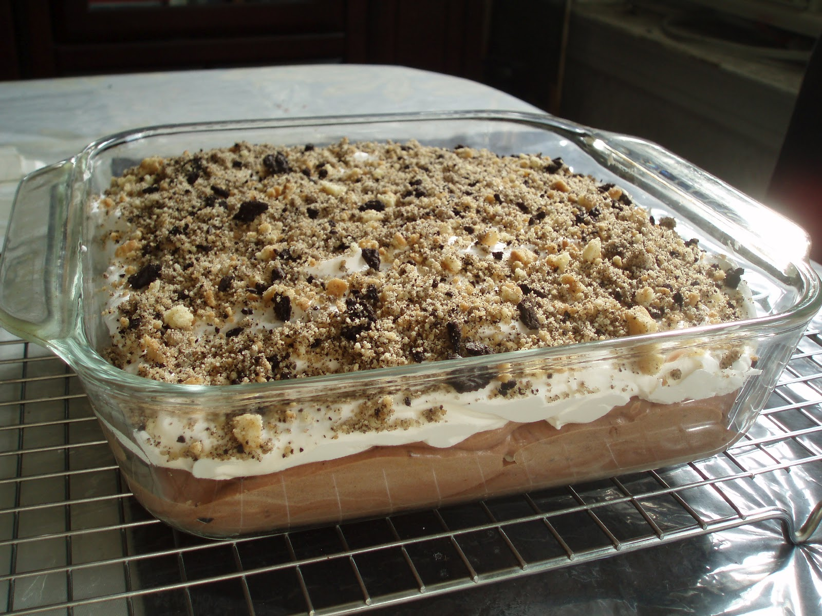 Cake With Chocolate Pudding Layer : Open Mouth Insert Food: Layered Chocolate Banana Pudding Cake
