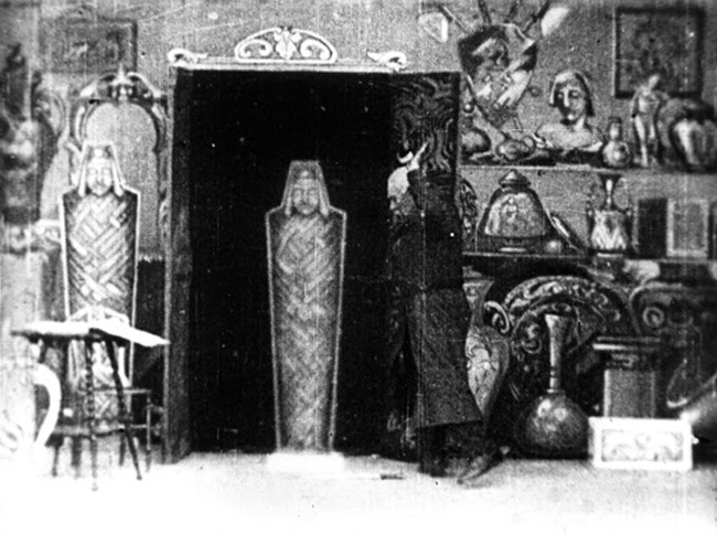 The Haunted Curiosity Shop [A loja de curiosidades assombrada ] (R.W. Paul, 1901)