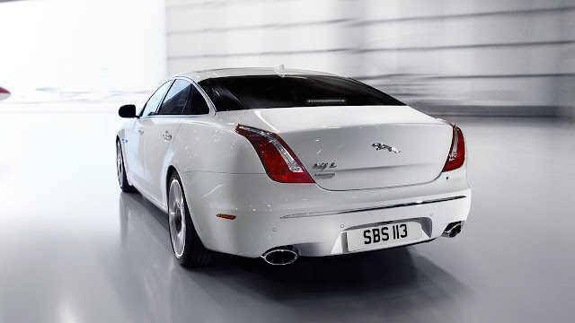 Jaguar XJ Ultimate back