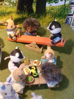 Sylvanian Families Diamond Jubilee Picnic Buckley deer brother, Underwood badger brother and sister