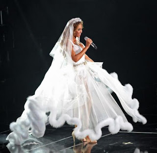 Beyonce wedding pictures wedding pictures for Beyonce wedding dress pictures