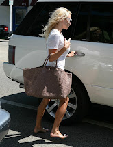 Barefoot Celebrities Pamela Anderson Pedicure
