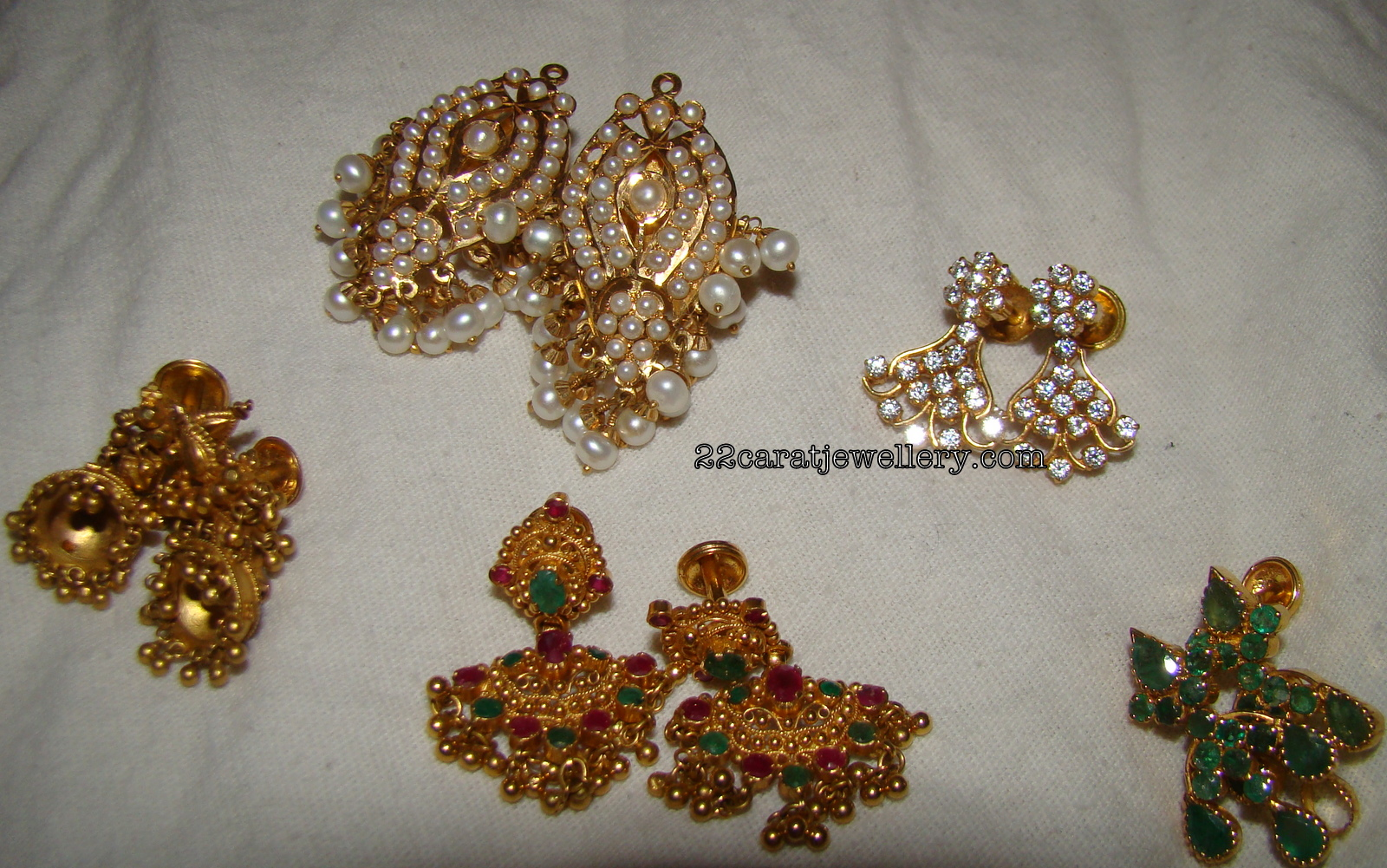 4 gram gold earrings designs ~ beautify themselves with earrings
