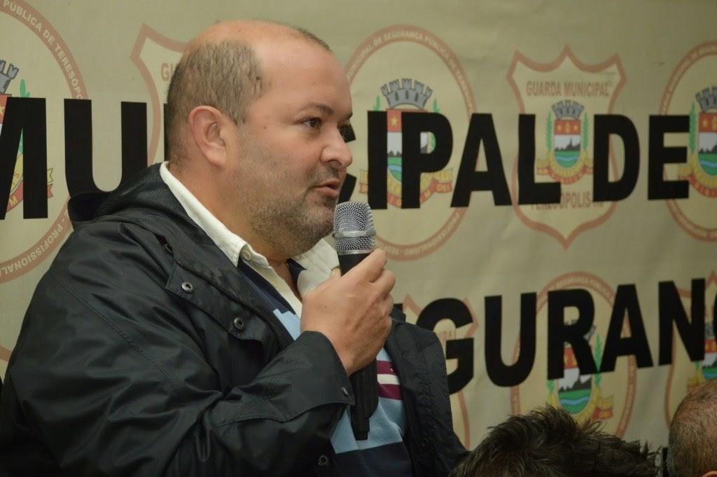 Vice-prefeito Márcio Catão pontua que o trabalho feito com os cães em Teresópolis é de extrema importância para o município