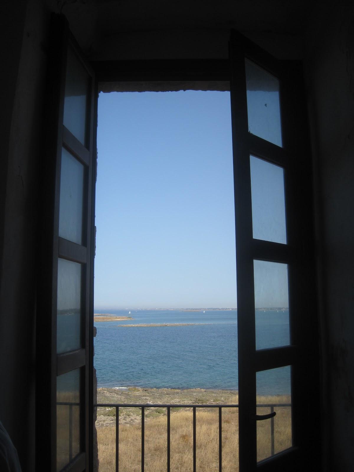 Una finestra sulla terra di puglia for Finestra antica aperta