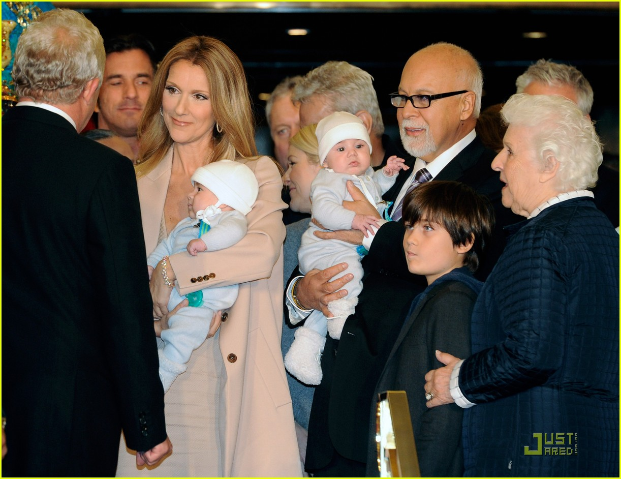 http://3.bp.blogspot.com/-PIEjPM8JBB0/TV6e9g8KioI/AAAAAAAABGA/ngM-XnPDVTE/s1600/celine-dion-and-family-return-to-caesars-palace-04.jpg