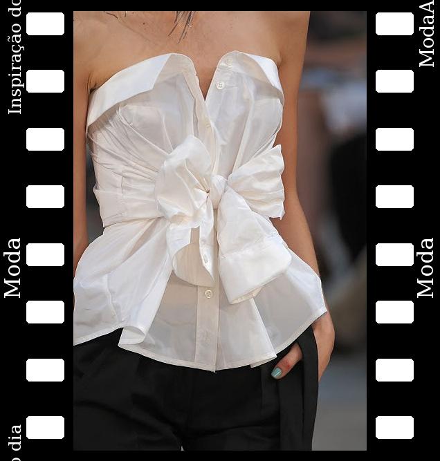 camisa-branca-usada-como-top-tomara-que-caia
