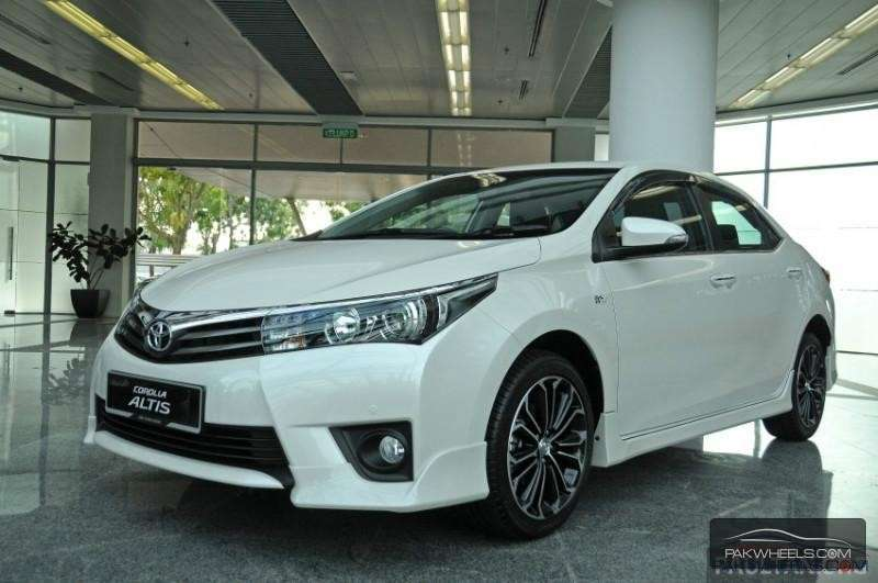 Toyota Corolla Altis Grand 2015 Price In Pakistan Specs Features