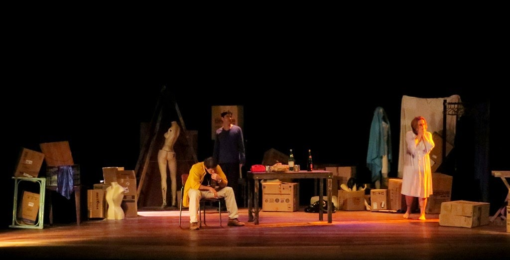 25/4 (Sesc Teresópolis) - Espetáculo apresenta o retrato de uma sociedade em declínio moral