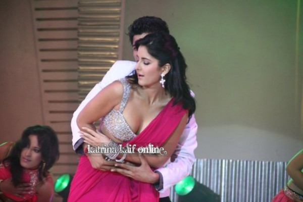 Katrina Kaif Dance Performance Hot Wallpaper