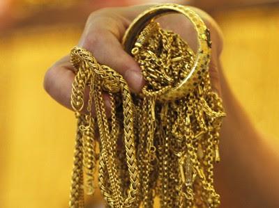 Inilah Alasan Ilmiah, Mengapa Lelaki Haram Memakai Perhiasan Emas
