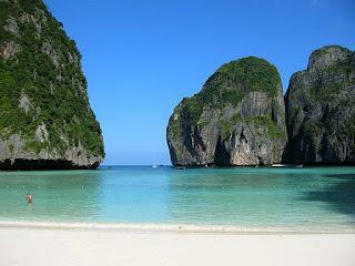5 Pantai Paling Cantik di Asia