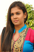 Kiraak Telugu movie Photos Gallery-thumbnail-9