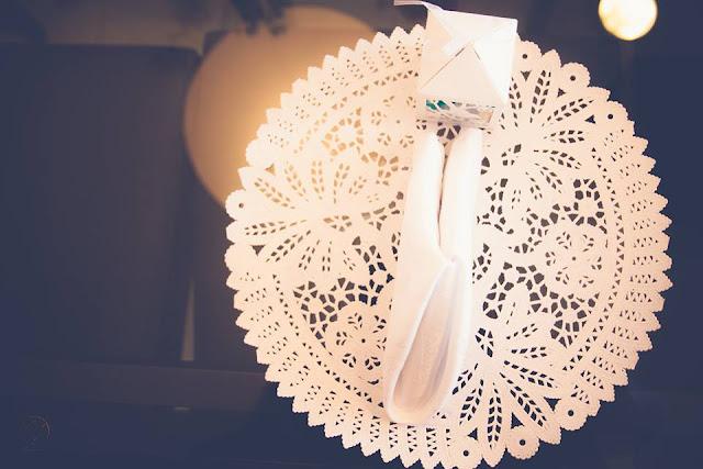 Casamento real - Mariana e Leonardo, casamento econômico, convite, casamento diy, mesa do bolo, casamento, sousplats, papel rendado