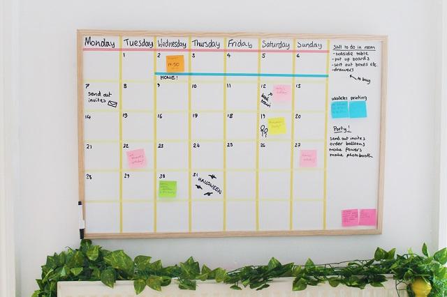Diy Calendar Uk : Diy white board calendar