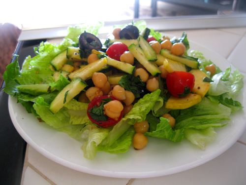 Amy's Nutritarian Kitchen: Mediterranean Garbanzo Salad
