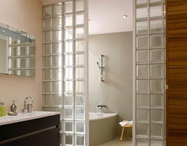 Bloques de vidrio para tener un ba o iluminado decorar decoraci n - Bloques de vidrio para bano ...