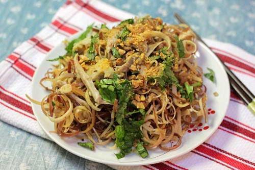 Banana Flower Salad with Chicken - Nộm Hoa Chuối Thịt Gà
