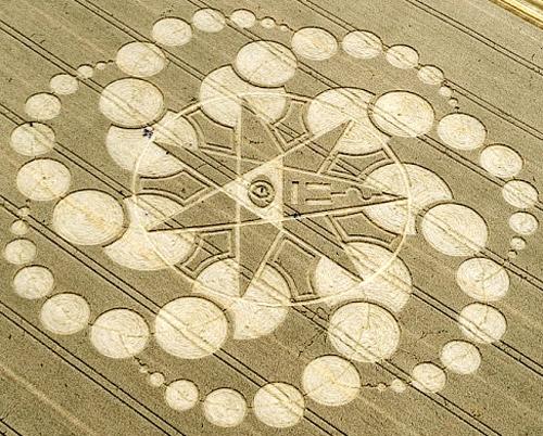crop circle dengan pola unik dan tingkat kesulitan terbesar-8