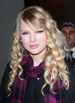 Taylor Swift Natural Hair, Long Hairstyle 2011, Hairstyle 2011, New Long Hairstyle 2011, Celebrity Long Hairstyles 2023