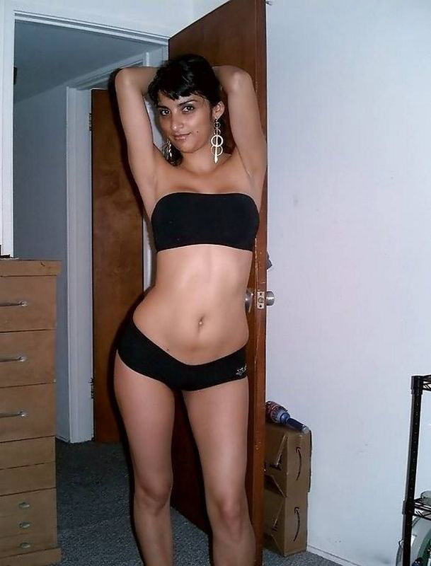 Indian Topless Babes sexy photos gallery of nri sweet girl in black bra and panty - fake