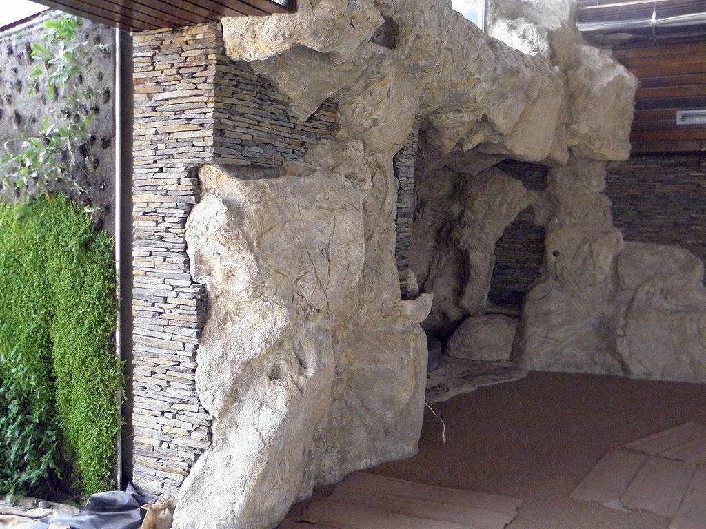 Искусственный камень скала