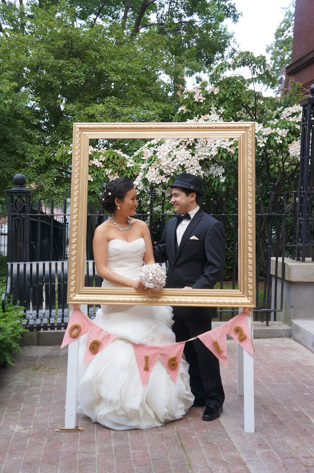 DSMeeBee Large Wedding Frame Prop