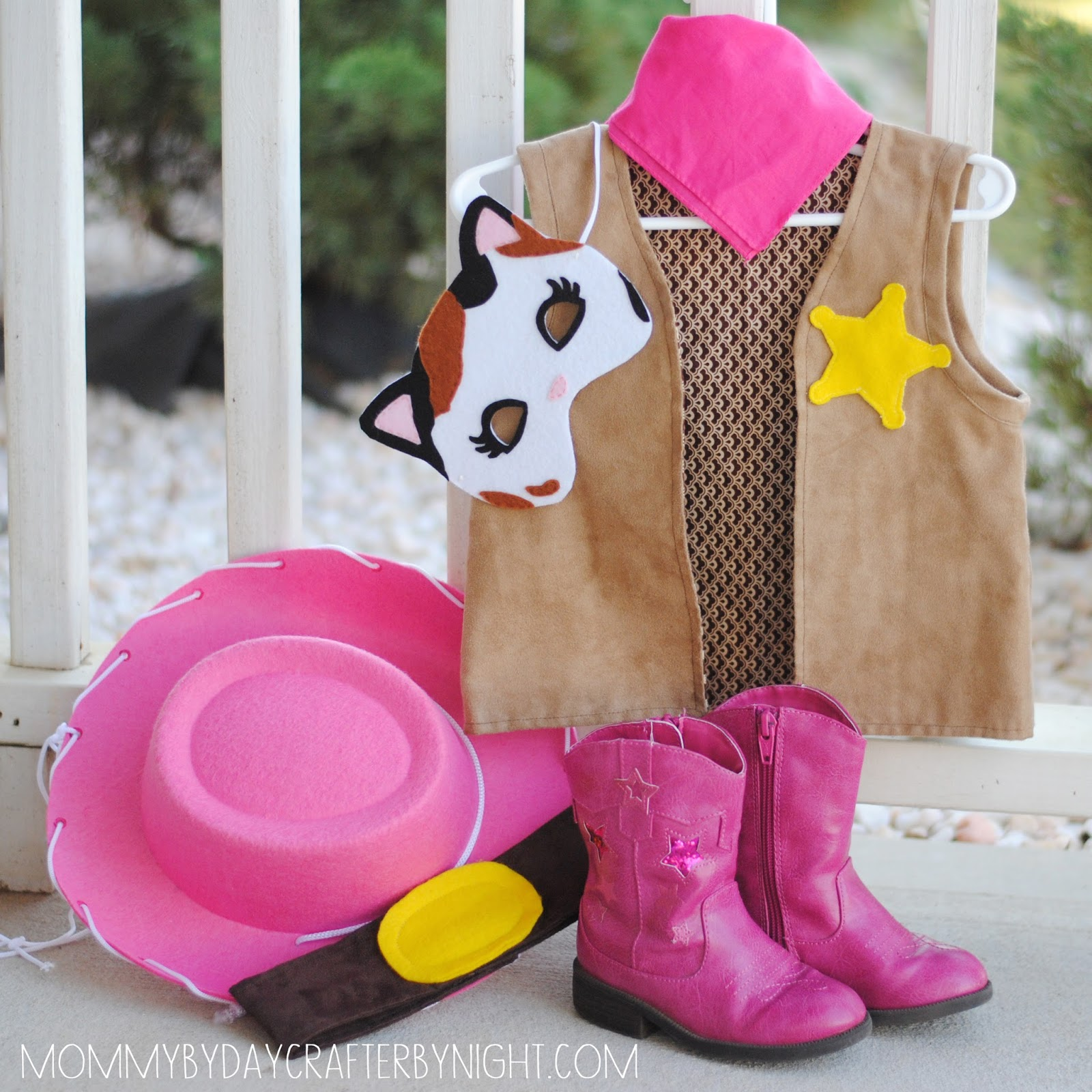 Mommy by day crafter by night diy sheriff callie costume diy sheriff callie costume solutioingenieria Gallery