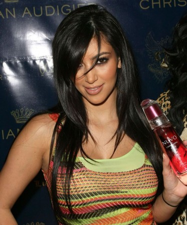 Kardashian Straight Hair on Kim Kardashian Hairstyle
