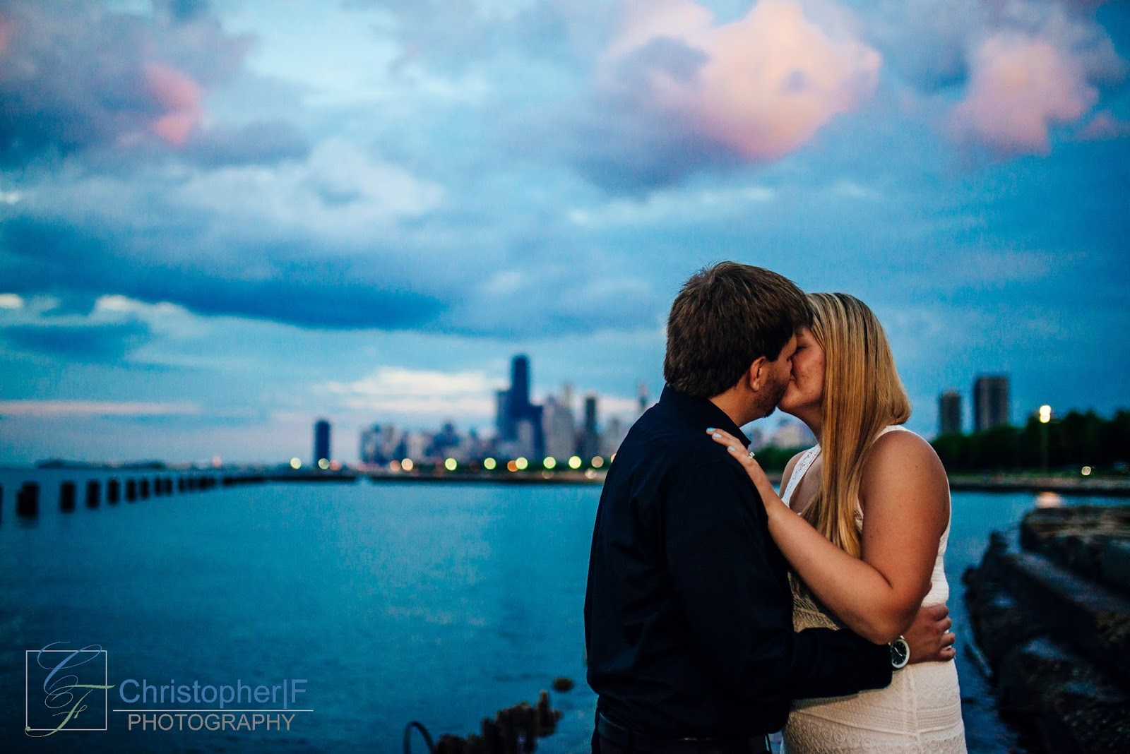 Chicago Downtown Engagement Evening Photo