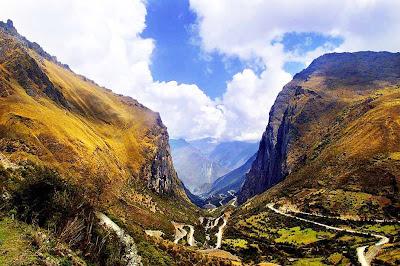 A fantástica estrada de Abra Malaga – Peru