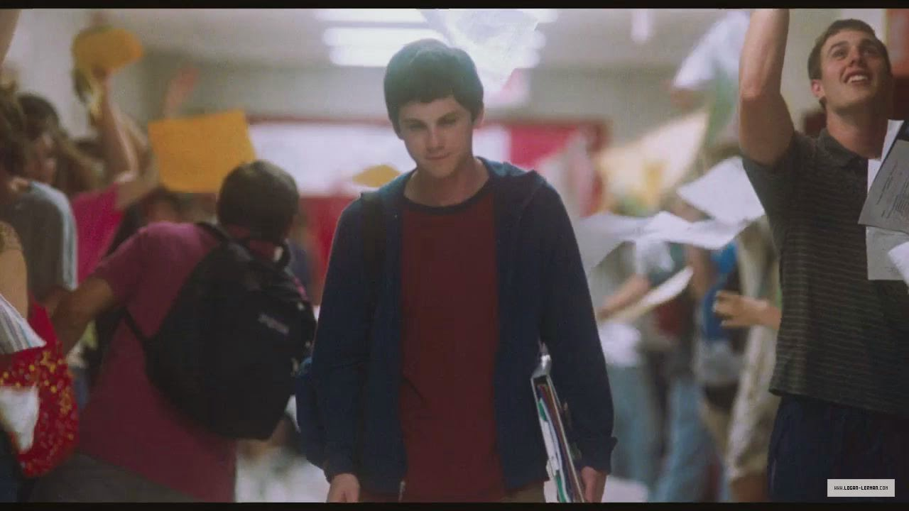the perks of being a wallflower critical essay Growth through writing: the perks of being a wallflower and the narrative of   have to embrace both practice (teaching) and theory (critical literary analysis.