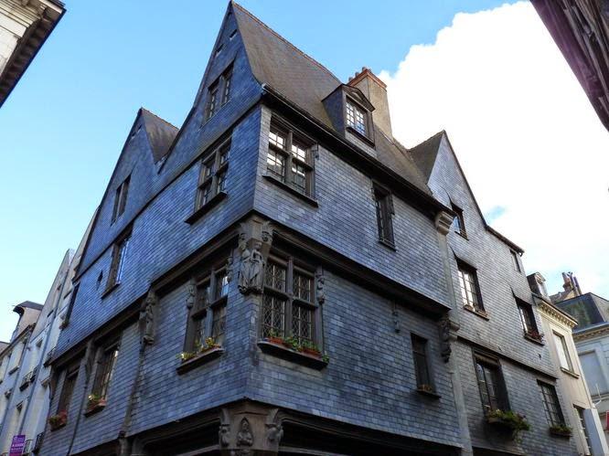 Place Plumereau, Tours.