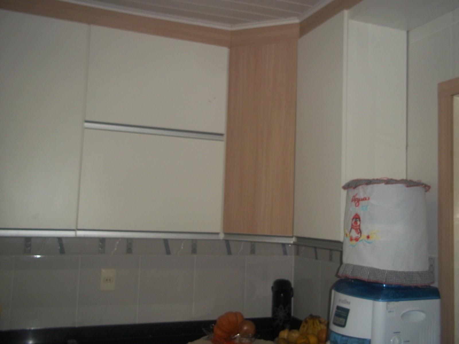 Valdo Serviços de Marcenária e Montagem de Móveis Cozinha branca e carvalho  # Armario De Cozinha Carvalho Ibiza