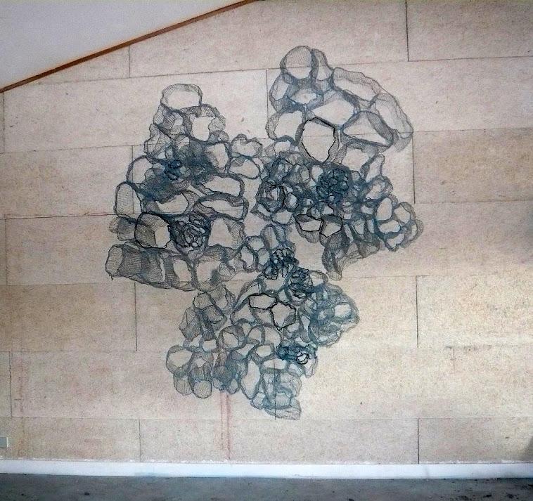 sculpture murale