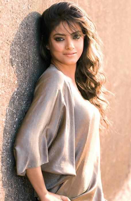 meera chopra ...... actress pics