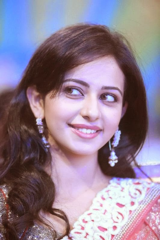 Amazing Looks of Rakul Preet Singh Latest HD Unseen Wallpapers