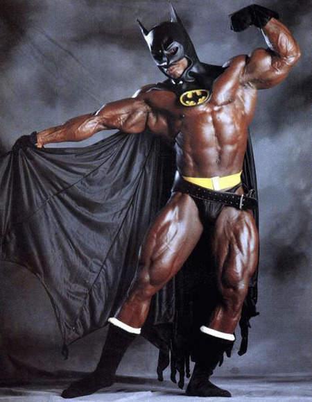 9 Foto Batman dengan Kostum Aneh Yang Lucu
