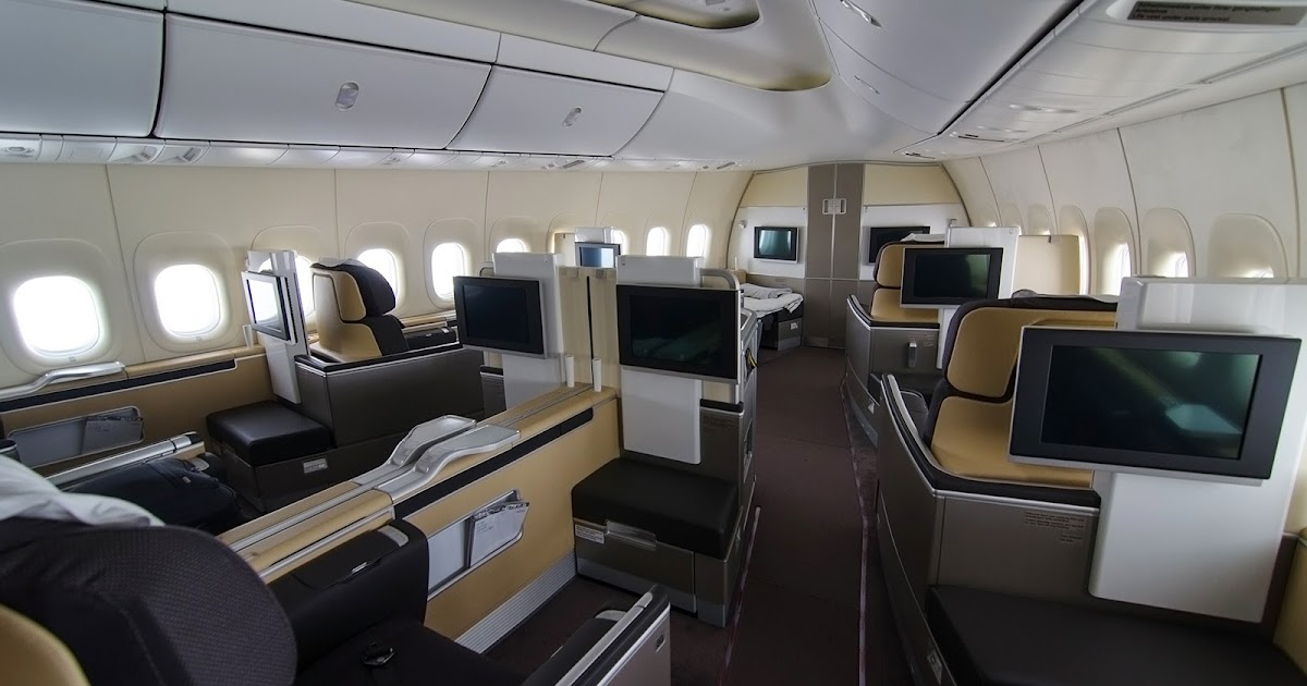 Photos lufthansa boeing 747 8i first class bangalore for Interieur 747