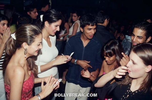 Katrina Kaif with amrita Arora - (4) - Katrina Kaif Unseen Private Party Pics from 2004