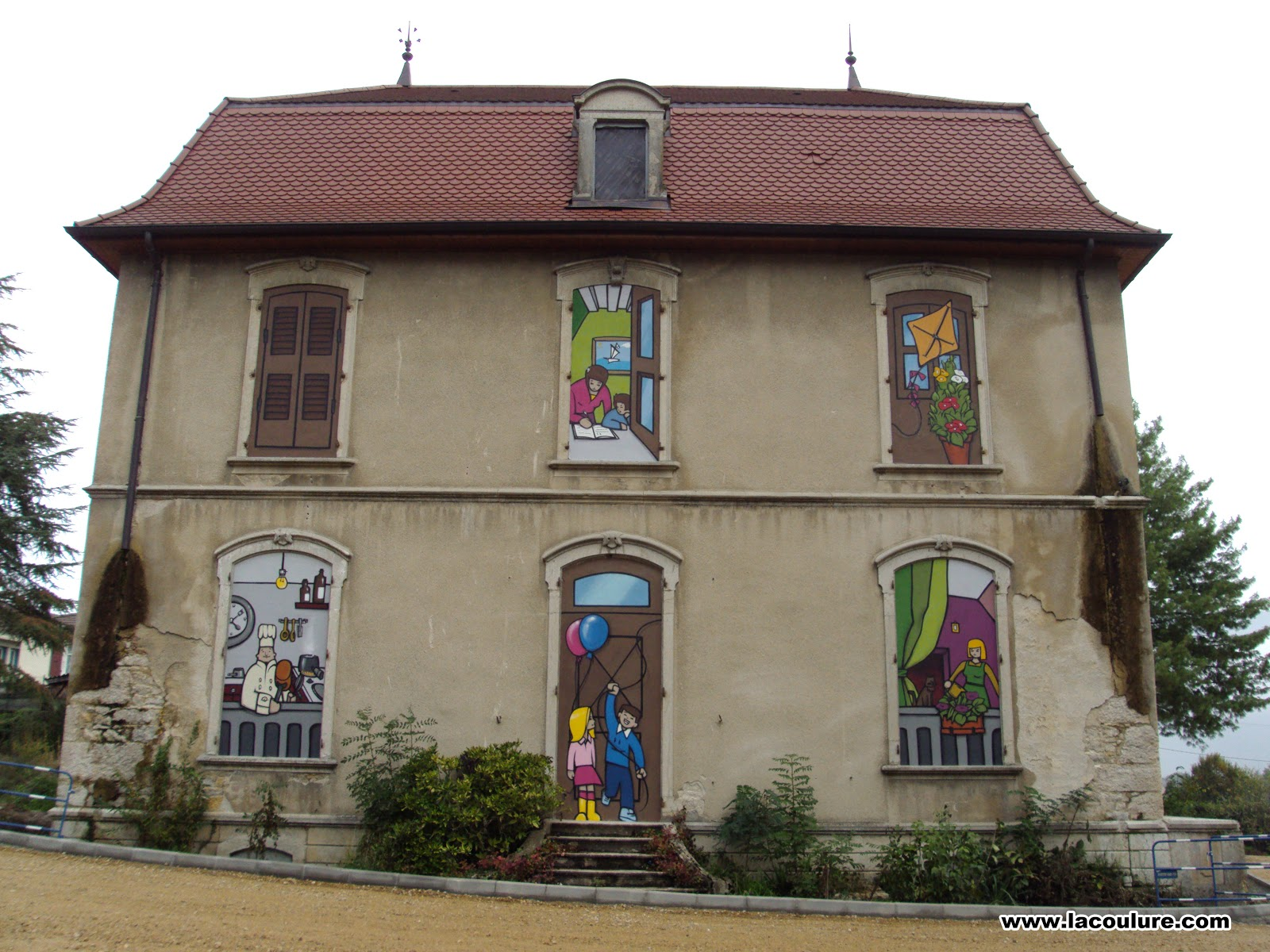 Collectif la coulure graffiti lyon trompe l 39 oeil fa on la - Trompe l oeil maison ...