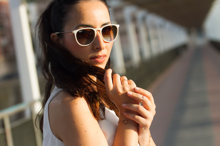 Tendencia en joyas accesorios minimalistas y finas oro rosa